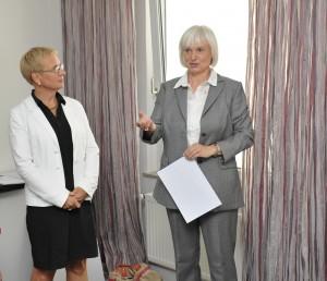 Prof. Dr. Eva Quante-Brandt und Silke Janssen (Firma DEICHMANN).